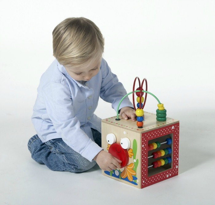 Wooden puzzles for kids - Educo Discovery Box