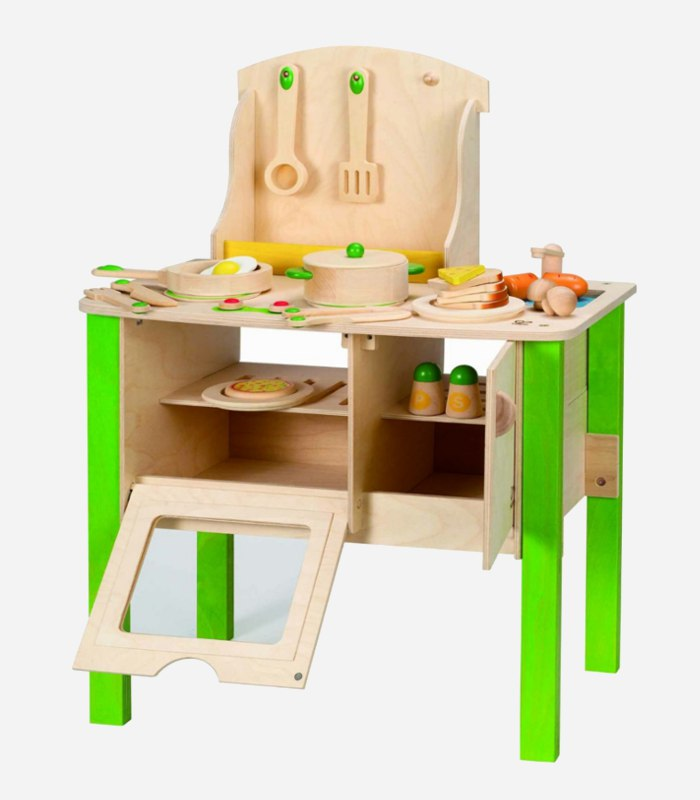 Harboring a wannabe toddler chef? A play kitchen would make a great gift | kidslovethisstuff.com