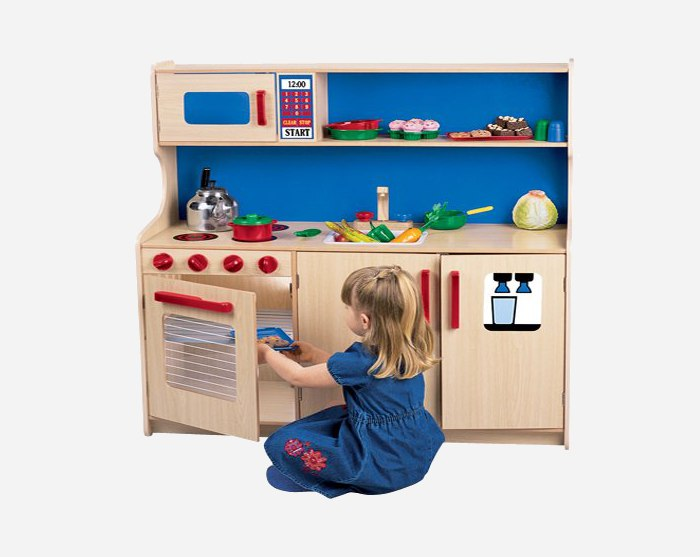 5 wooden play kitchens that appeal to little boys and for Little girl kitchen set