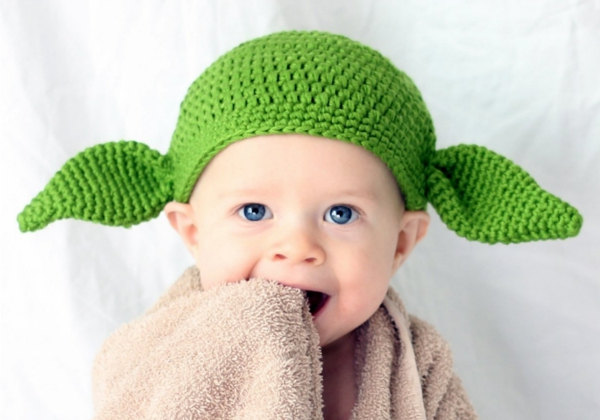 Geek baby clothes - handmade Yoda hat