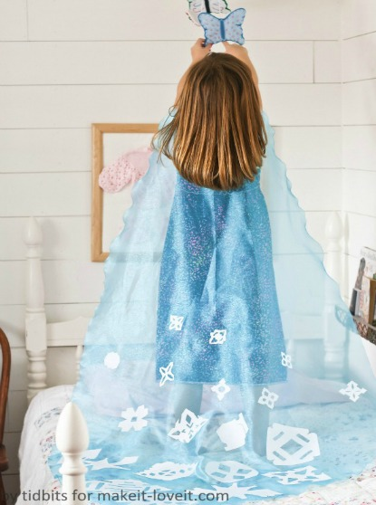 How to make the Frozen Elsa cape without having to sew a thing.