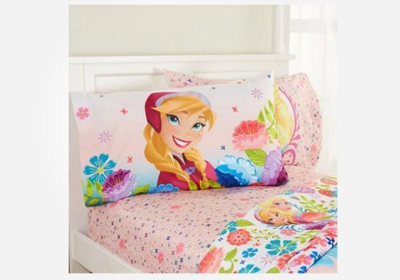 Disney Frozen gifts - this adorable Disney Frozen bedroom set will brighten up any kids room.