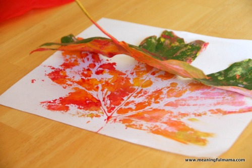 fall craft projects for kids - leaf-prints
