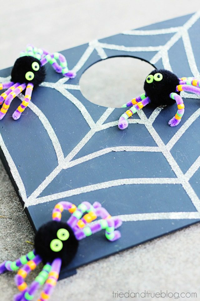 Halloween crafts for kids - DIY Halloween party game
