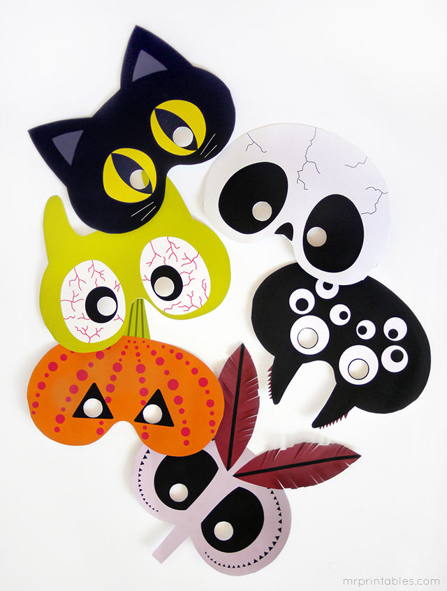 Aren't these printable Halloween masks adorable? Just one of 10 cute Halloween craft ideas for the kids. Come check out the rest.