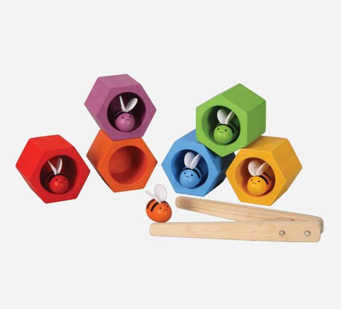 Gift ideas for toddlers - plan toys beehive   kidslovethisstuff.com