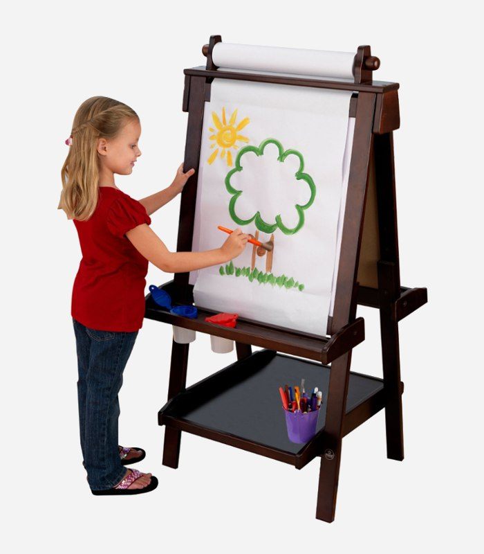 An art stand makes a great gift idea for a creative toddler | kidslovethisstuff.com