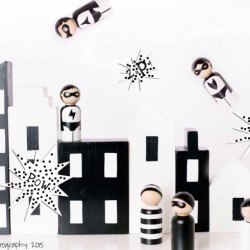 Wooden Peg Dolls: These Hand Painted Monochrome Doll Sets Are Super Cute