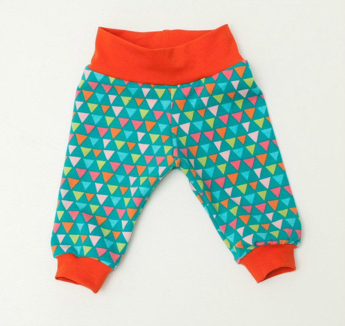 Baby gift inspiration: From funky geometric designs and lively rainbows to animal prints, these baby leggings are the coolest.