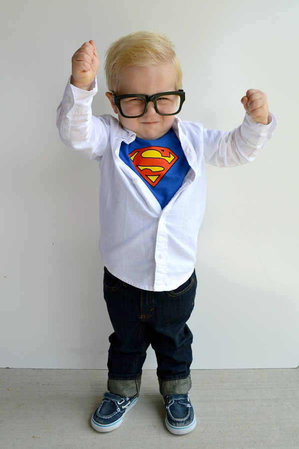 Non scary kids Halloween costumes to DIY - Clark Kent costume