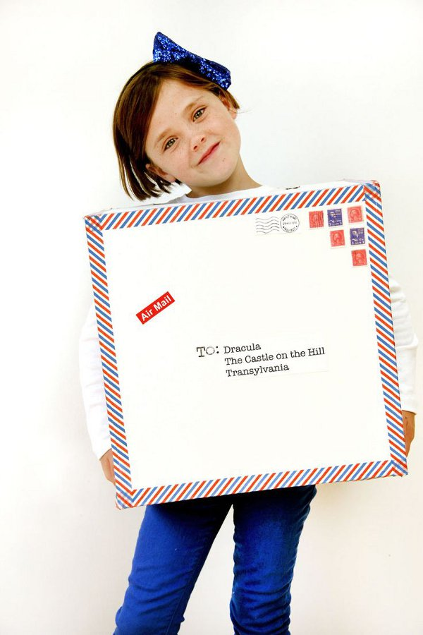 Non scary kids Halloween costumes to DIY - The air mail costume