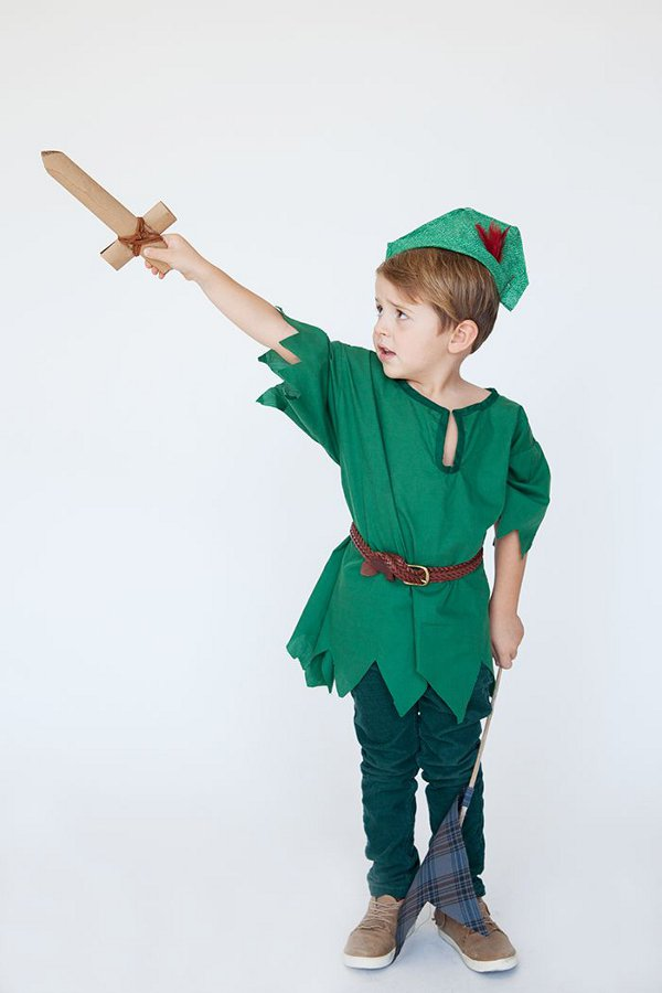 Non scary kids Halloween costumes to DIY - The peter pan costume