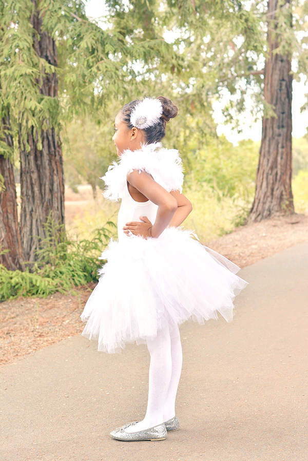 Non scary kids Halloween costumes to DIY - The swan costume