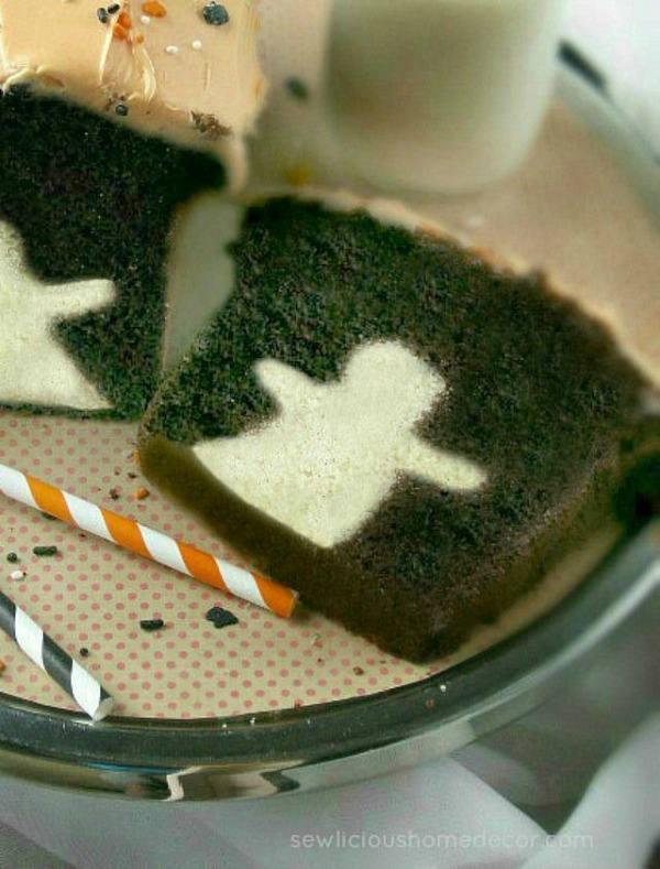 Creepy halloween desserts for kids - halloween ghost chocolate cake