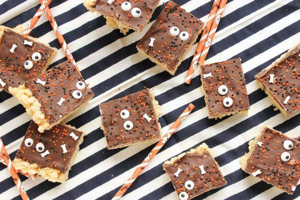 Creepy halloween desserts for kids - sticky sweet rice krispie treats