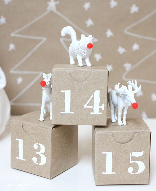 How many sleeps left until Christmas? 11 stylish DIY advent calendars to help you start the countdown the Christmas. Advent boxes via a Bubbly Life.