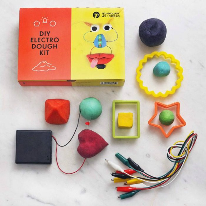 A fun and inventive way to play with dough while learning about electricity | Gift ideas for 5 year olds - DIY electro dough kit