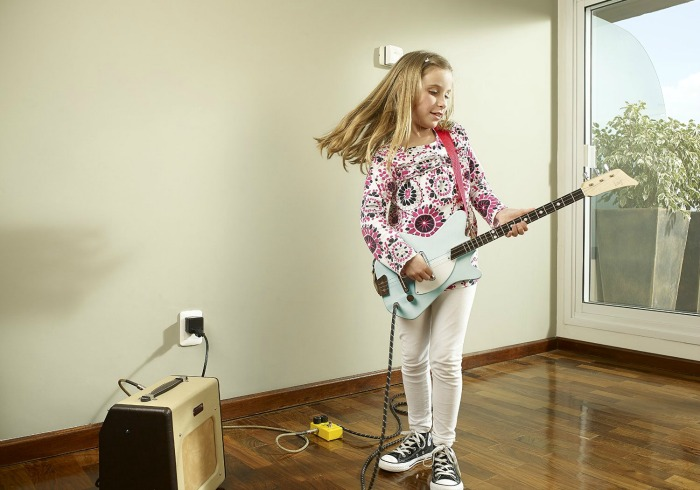 The coolest gifts for 6 year olds - Loog Electric Guitar