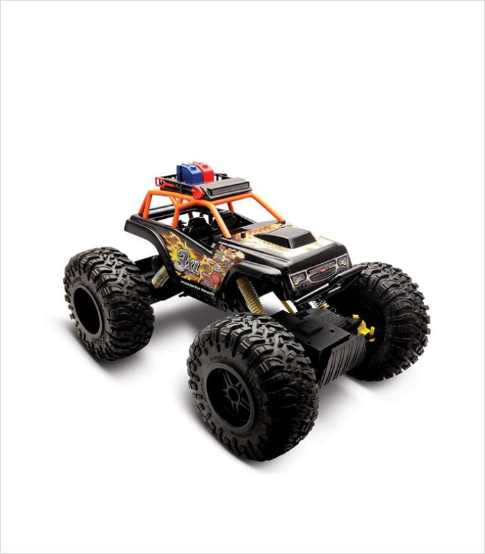 Maisto remote control rock crawler vehicle | A remote control vehicle that's made for rough terrain. Makes a pretty cool 9 year old gift idea.