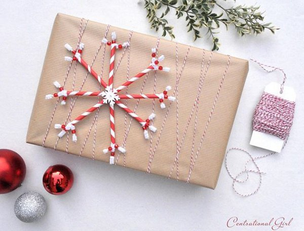 Make your own gift wrap - straw snowflake gift topper