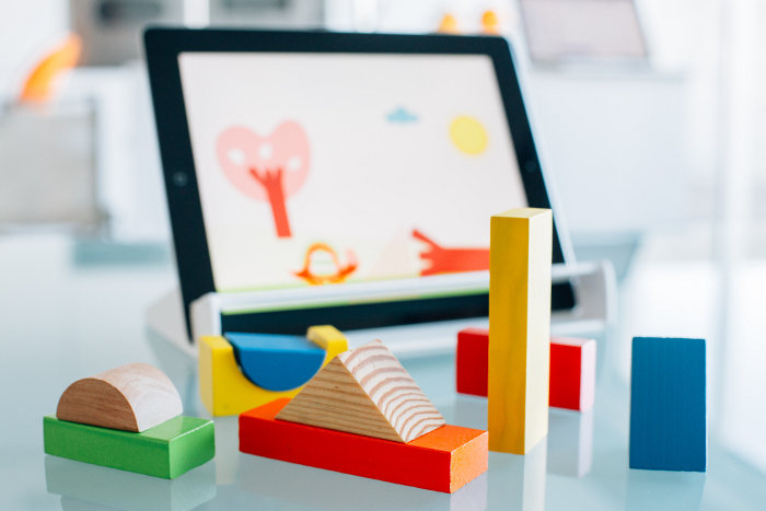 Tablet toys for kids: Magik Play - this is next level of block play!