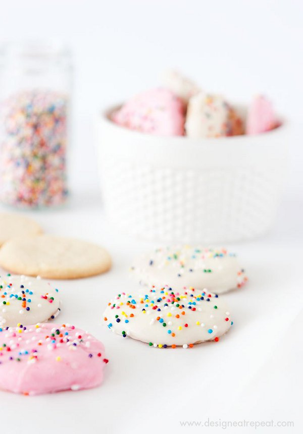 Valentine treats for kids - Frosted Animal Cookie Wafers