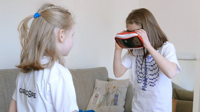 Virtuali Tee smart shirt with VR headset - making learning anatomy for kids that bit more fun.