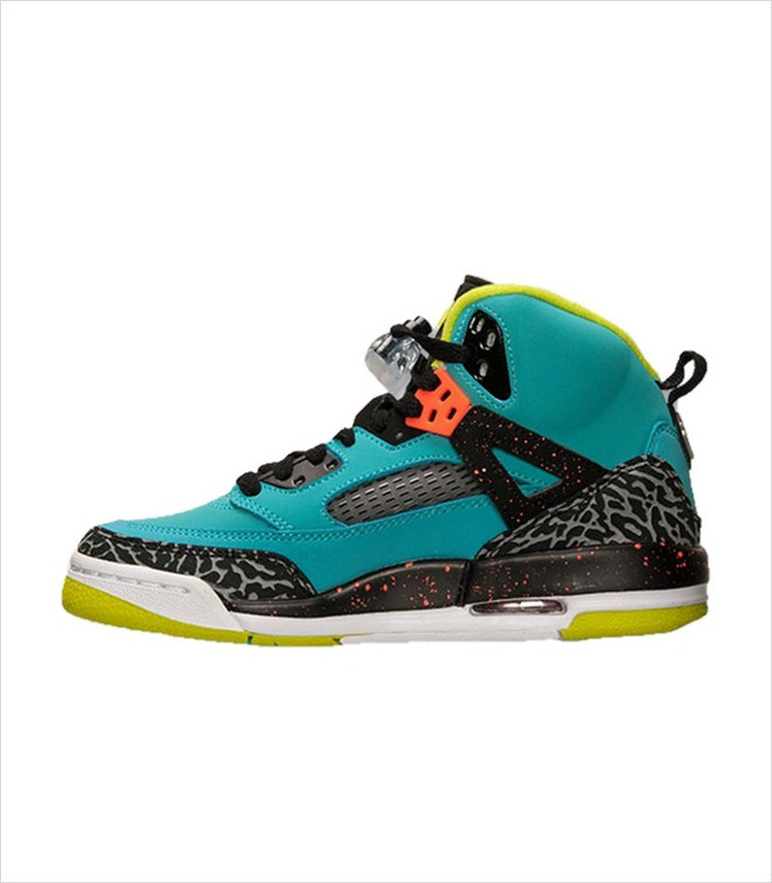 Basketball gifts for girls - Jordan Spizike sneakers