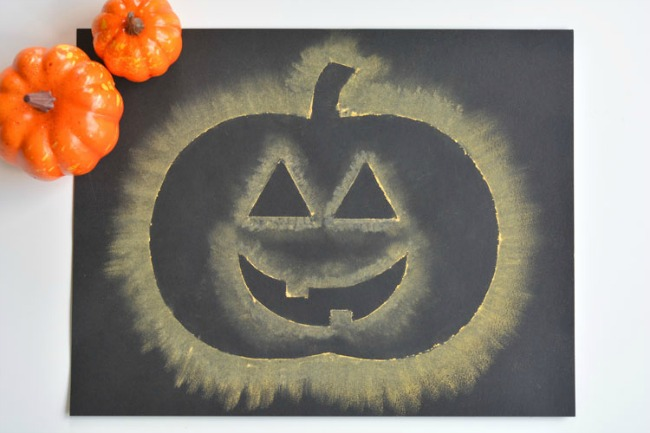 Easy Kids Halloween Crafts - Chalk Stenciled Pumpkins (via One Little Project)