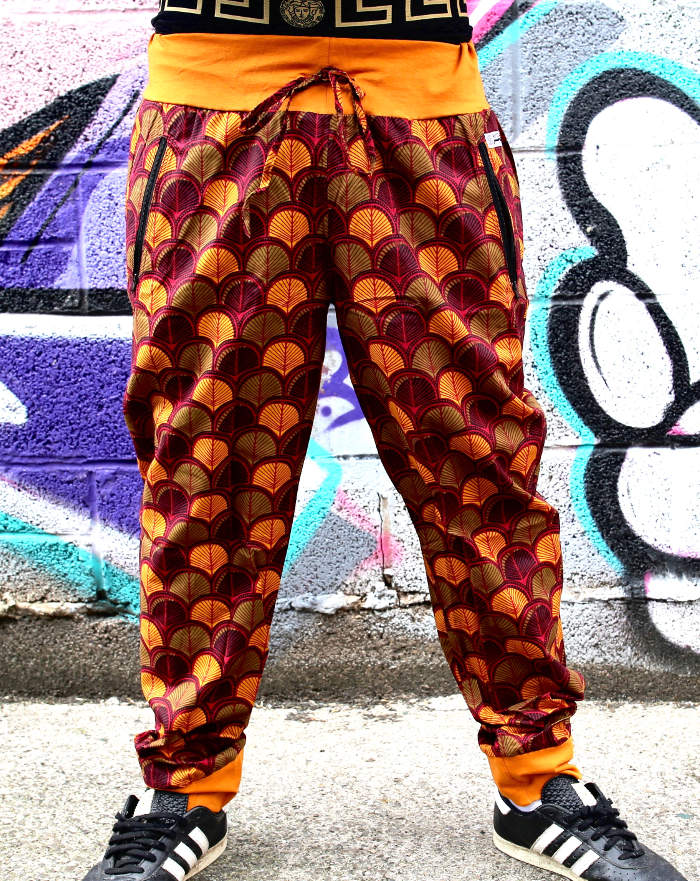 Patterned pants - trendy gift for teenage tomboys